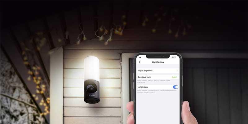Có thể điều chỉnh độ sáng dễ dàng qua ứng dụng.