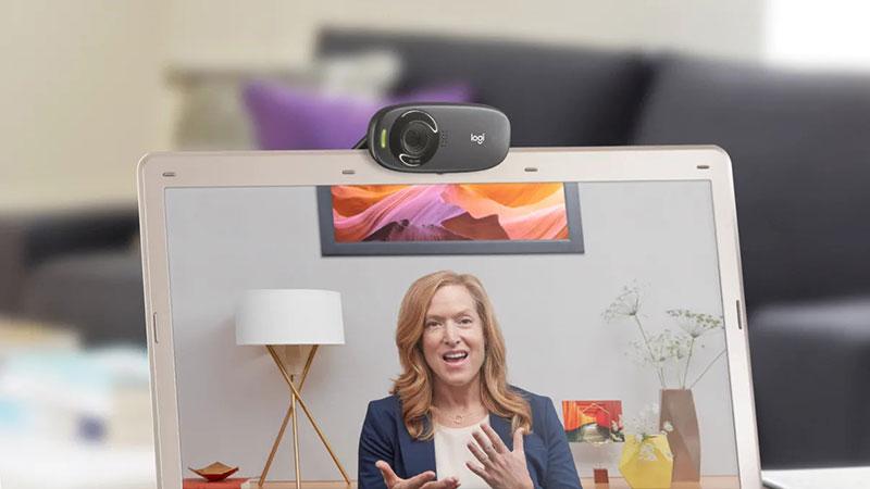 Webcam Logitech C310 với thiết kế nhỏ gọn